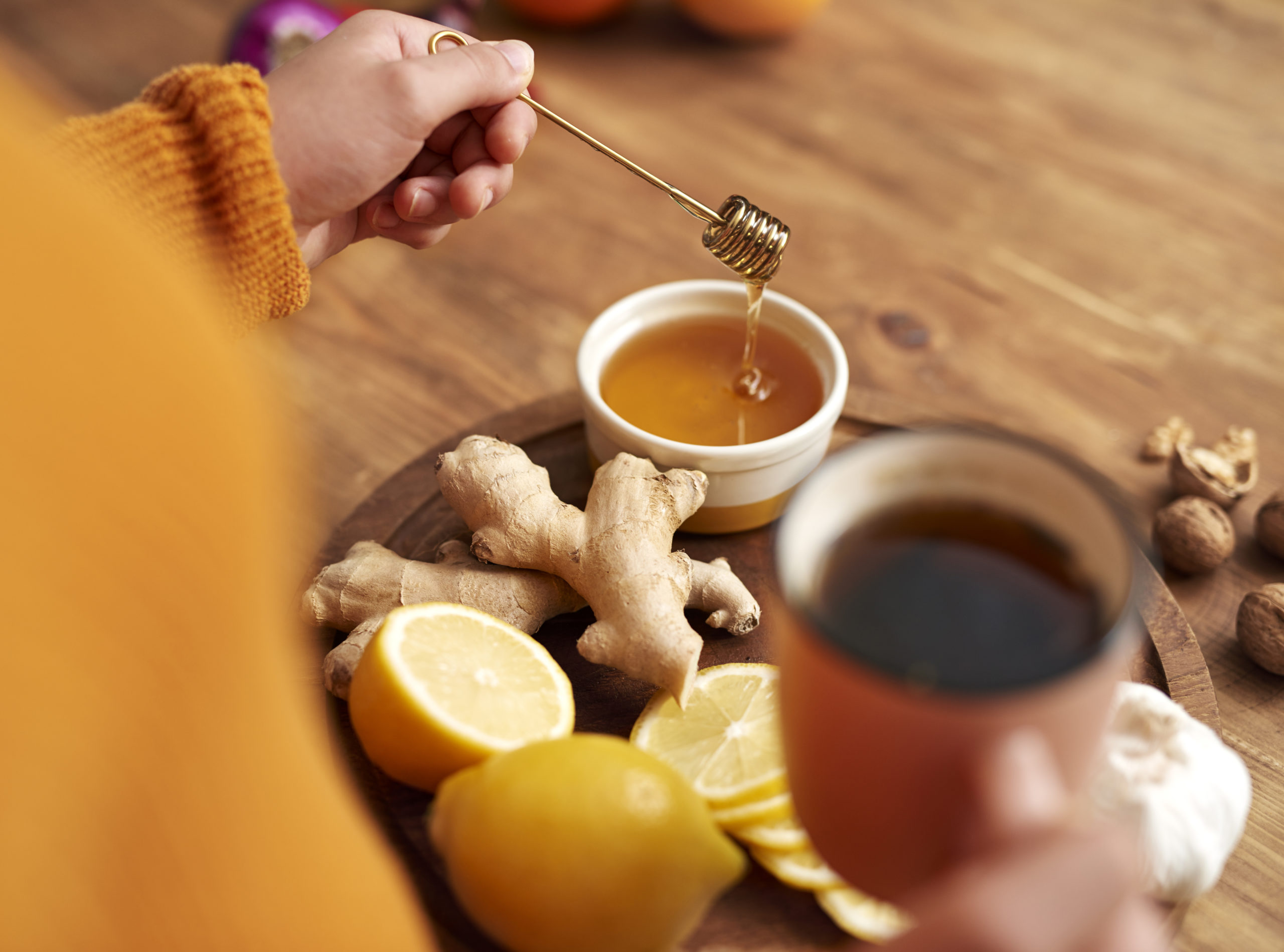 Warming tea with honey, lemon and ginger