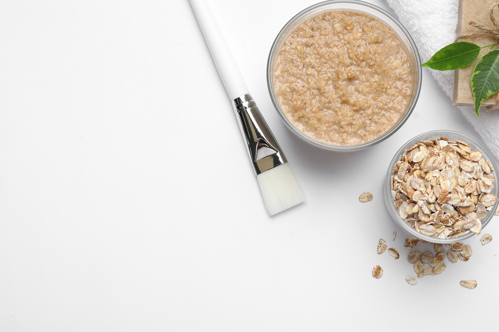 Homemade face mask made of oats
